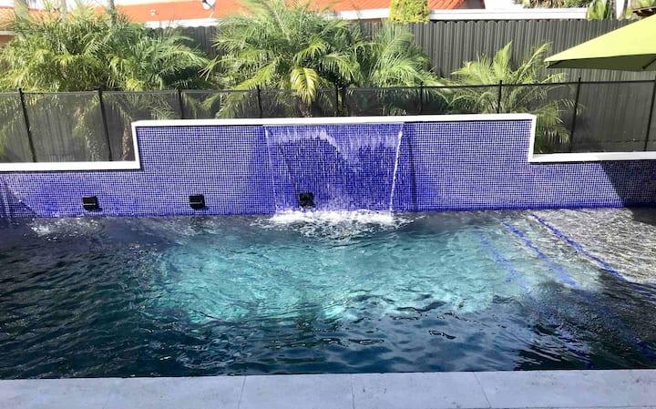 Modern Miami Getaway☀️refreshing private pool⛱