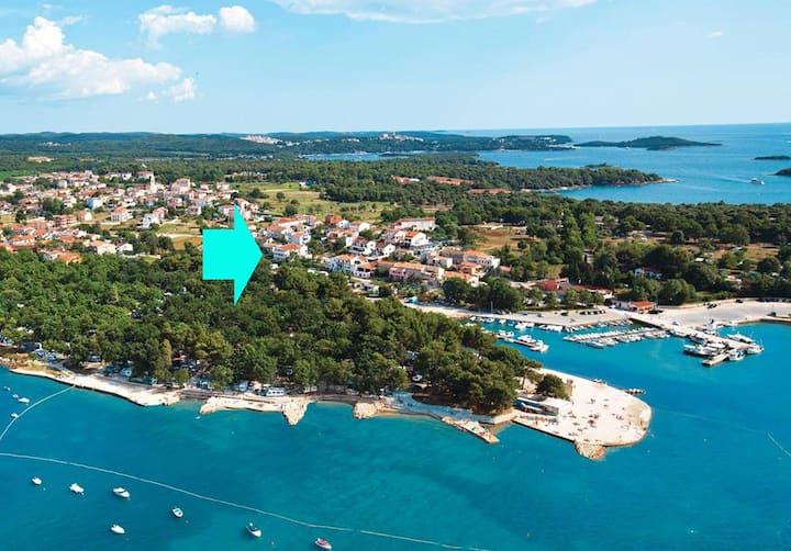 HOUSE ULI NEAR THE FUNTANA BEACH / Room Uli 2 for 2 persons near the beach with balcony and sea view