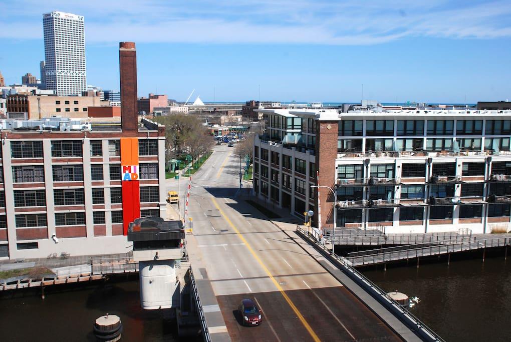 Gorgeous Riverfront Condo w/ a View