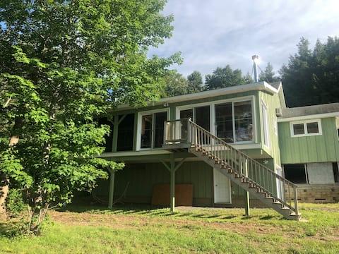 Lakeville Corner Cottage - Waterfront -WIFI