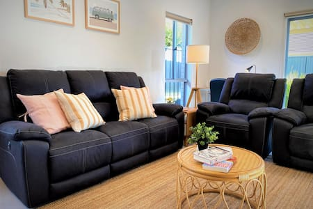 ♦♦♦ Ella House II, Stylish3Br/2Bath, Wifi, Pets♥