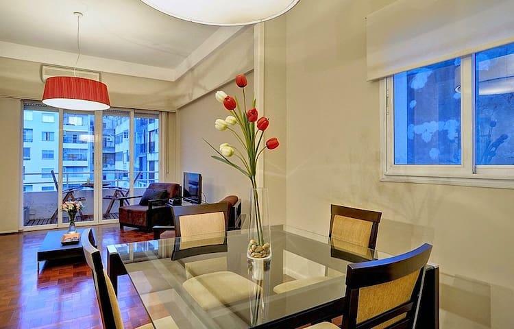 Great 1 bedroom 2 bathroom/office space/Recoleta