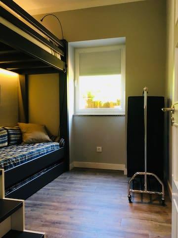 Quarto 3 / Bedroom 3