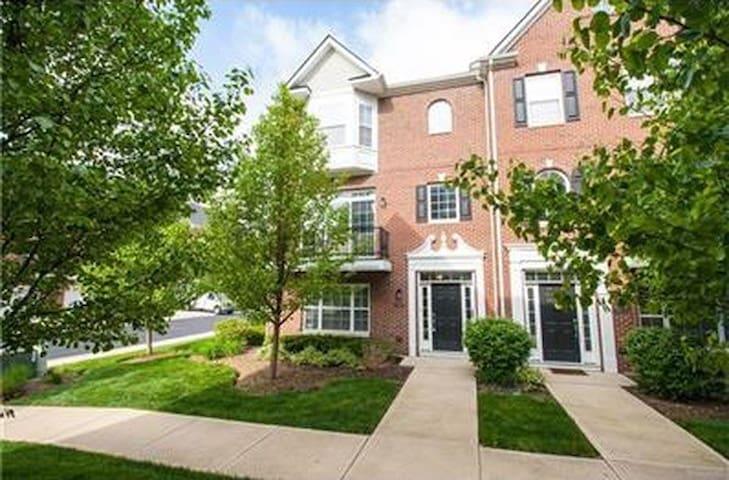 Zionsville Condo - Zionsville - Apartament