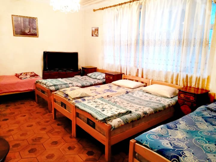 5 Bed Dormitory Room with Shared Bathroom