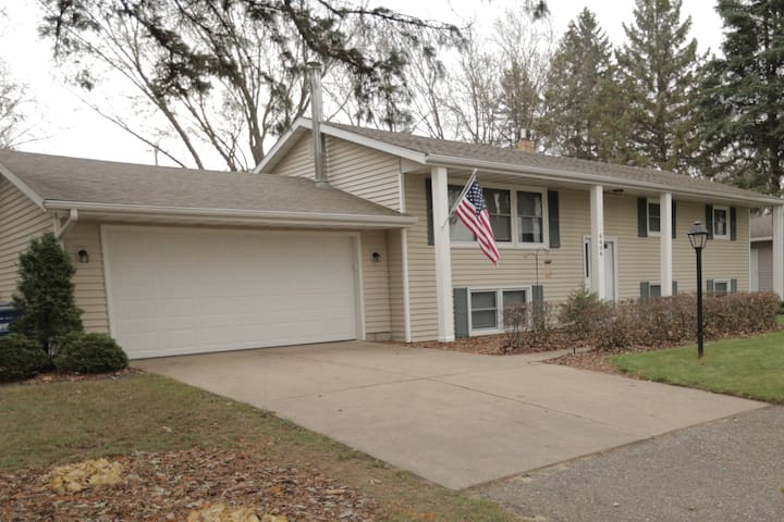 5 bedroom House Only 15 Minutes To Super Bowl!!!