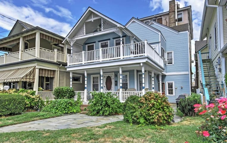 1BR + Loft Ocean Grove Home on Beach Block! - Neptune Township - Casa