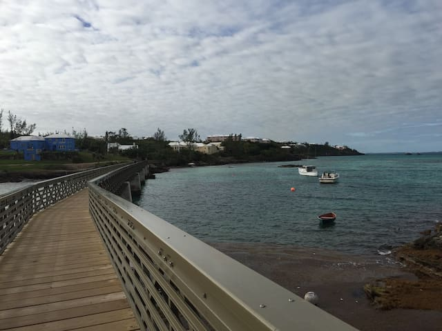 Bermuda Rail Way Trail in Bailey's Bay
