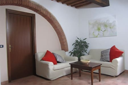 Spacious apartment between Siena and Grosseto - Roccastrada