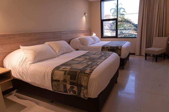 Habitación de hotel en el corazón de Equipetrol
