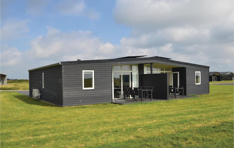 Semi-Detached with 2 bedrooms on 60m² in Ringkøbing