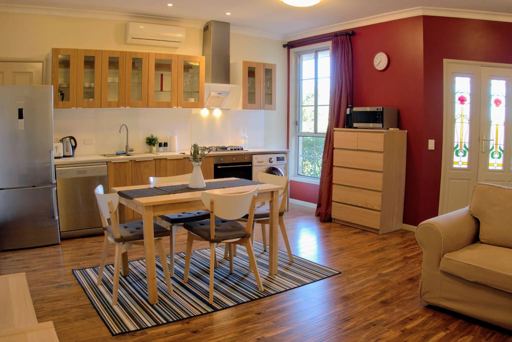 Open plan living, fully equipped kitchen