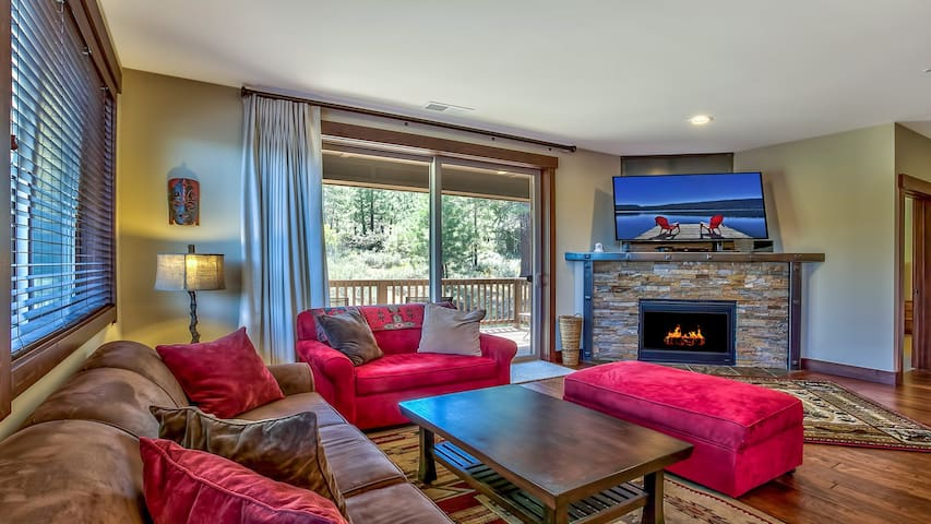 Modern Rustic Central Truckee 3BR Newly Built Home - Truckee - Appartement en résidence
