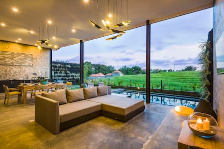 Boutique luxury villa with pool, great views
