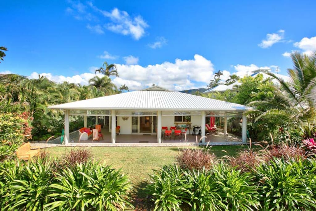 Dunk Island Holidays: Houses For Rent In Mission Beach