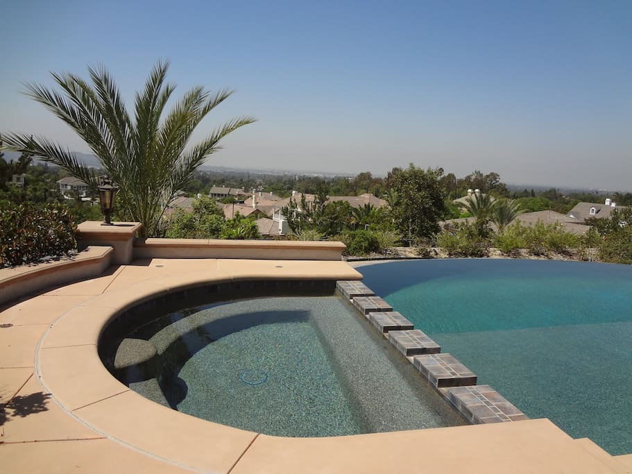 This pool & jacuzzi is open to guests