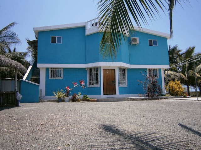 Beach House 2 bedrooms - Crucita - Huis