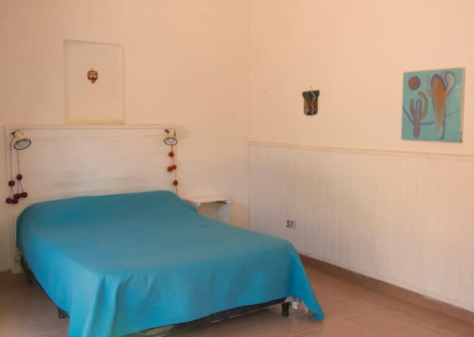 Casa Arbol Cafayate Doble Azul