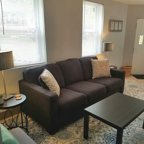 Budget Beauty with 3 beds and lots of light!