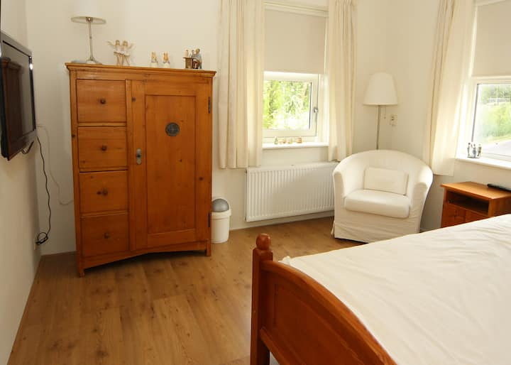 a cosy, comfortable and spacious room 1-person