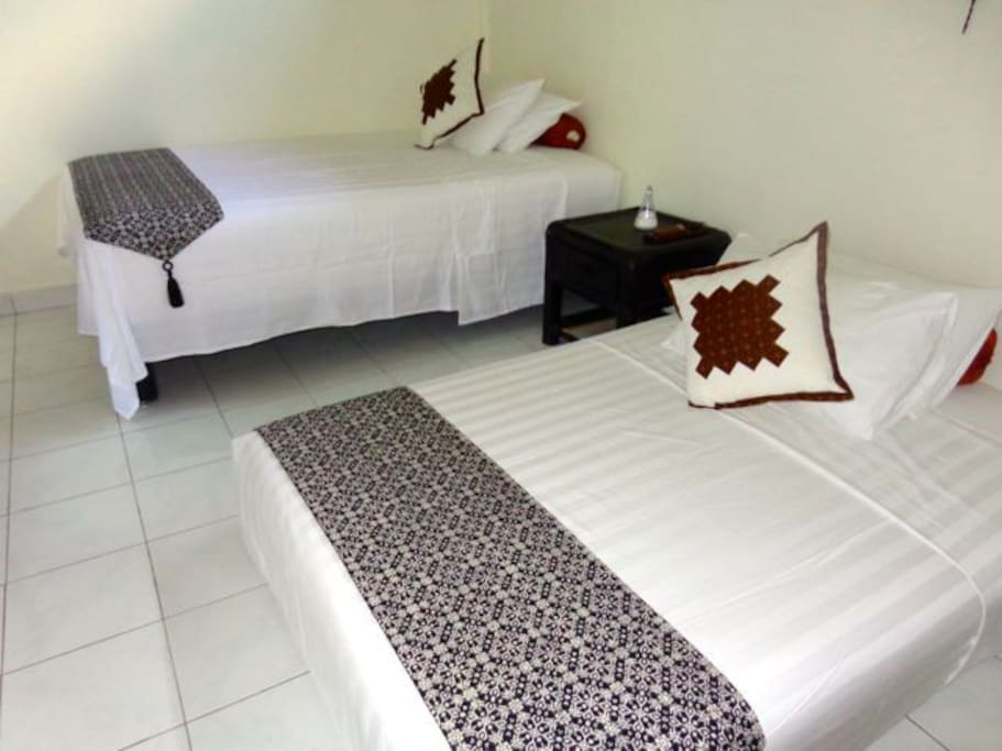 Jepun suite is inside Angel Villa and comes with AC, 2 double bed & ensuite bathroom
