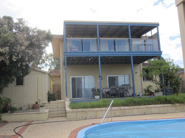 House with view, pool, near beach - Spearwood - House
