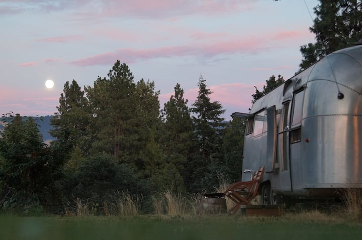 1961 Airstream for rent in Hood River OR