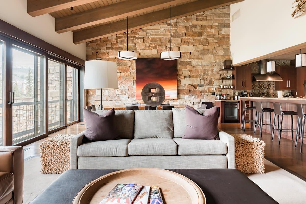 Creekside Luxury Steps  From Lionshead Village