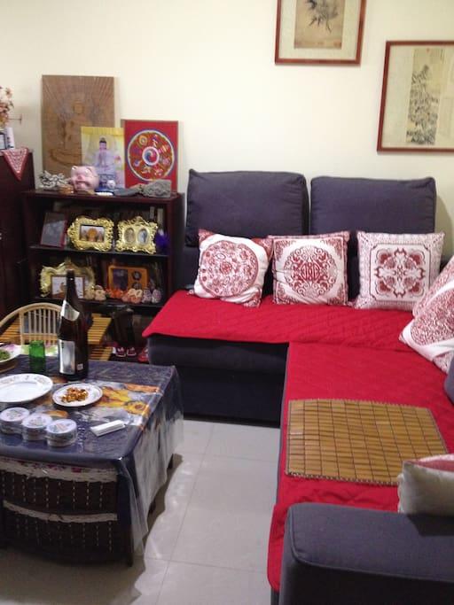 2米长,1.4米宽的柔软沙发