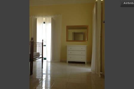 Cimitile (Napoli)- appartamento in Villa d'Epoca - Cimitile