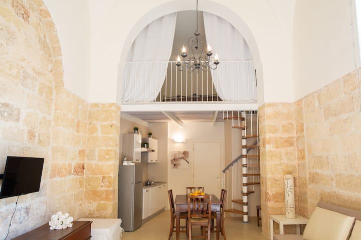 Stone suite, storia cultura  tradizione a Presicce