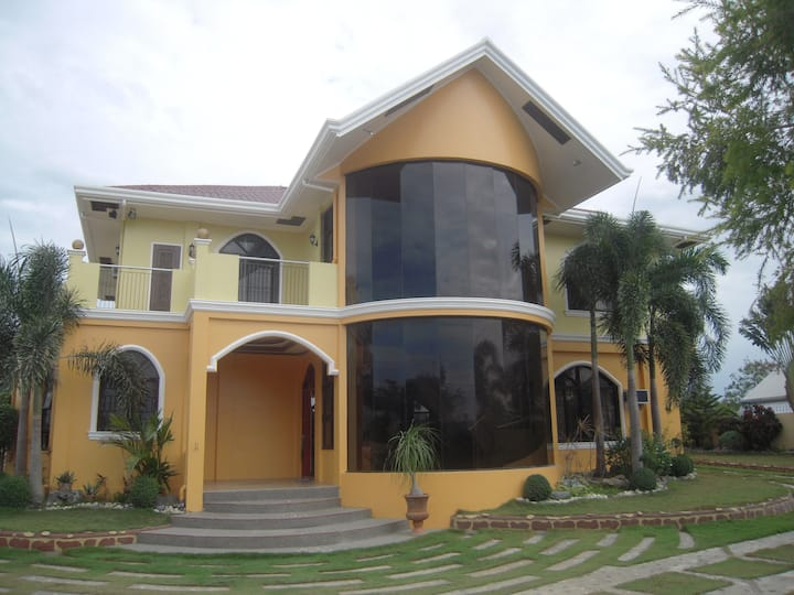 Beautiful vacation house for rent (Laoag City)