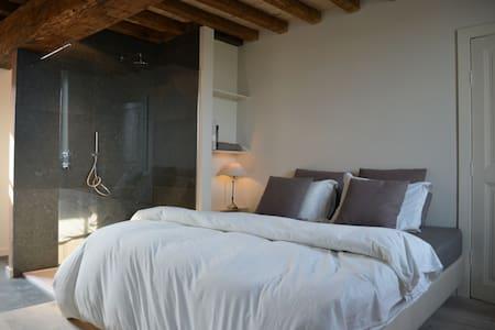 Warme kamer op gelijkvloers - Maasmechelen