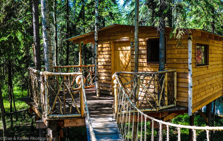 Sven's Hostel Basecamp Tree House - Fairbanks - Δεντρόσπιτο