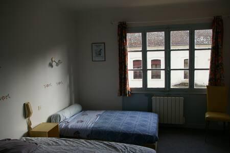 Chambre dans l'ancien hotel du Chateau (20)