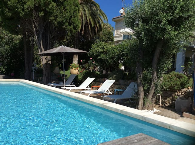 studio 30 m2 in private property - Sanary-sur-Mer - House