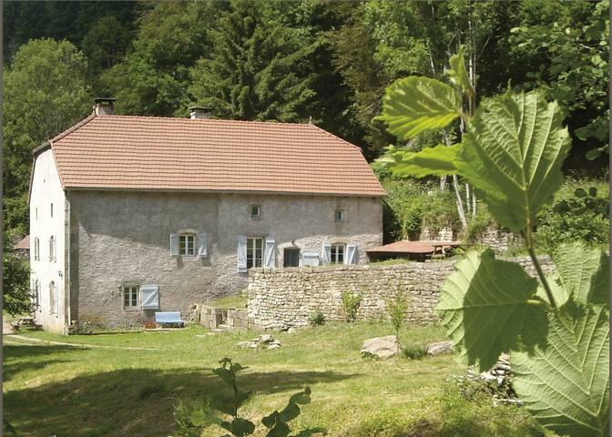 Maison de campagne, forêt, rivière - Le Clerjus