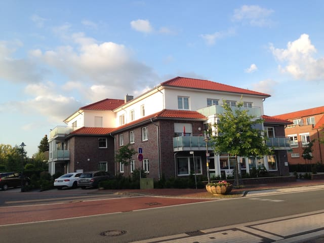 Elegante Wohnung mit großem Balkon - Dinklage - Apartamento