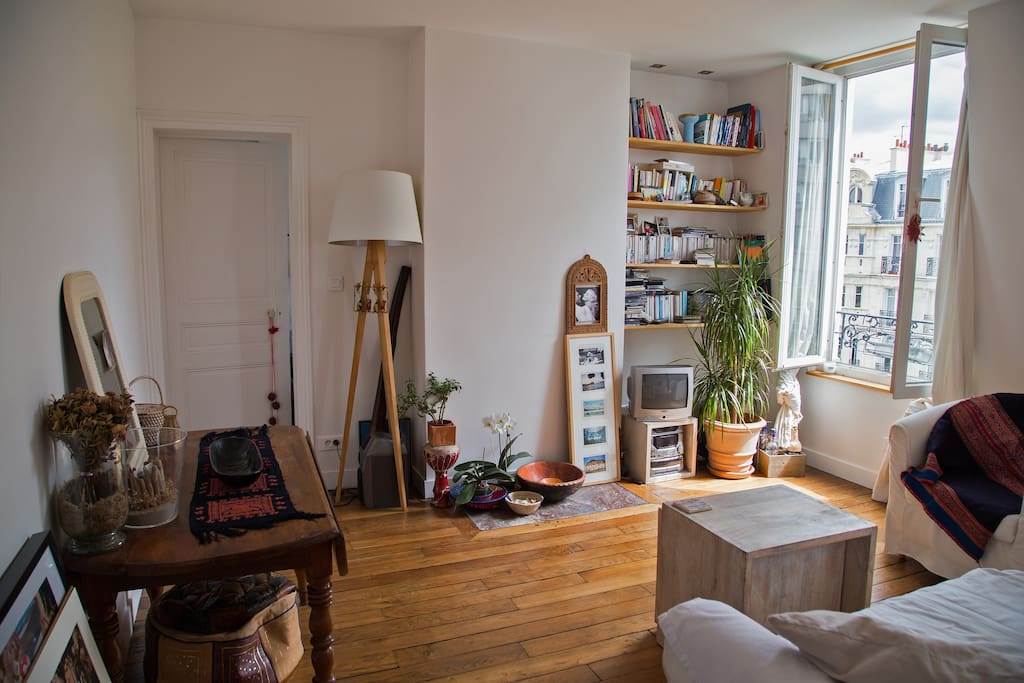 Very sunny (south oriented) main room with equiped kitchen
