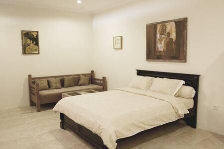 Seminyak Affordable Studio Room1