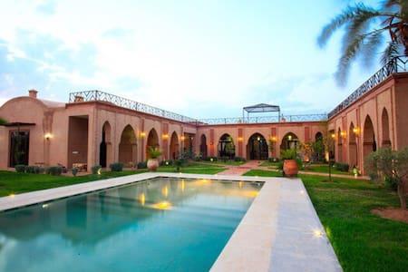 Belke villa à 10 min de marrakech - มาร์ราเกช - วิลล่า