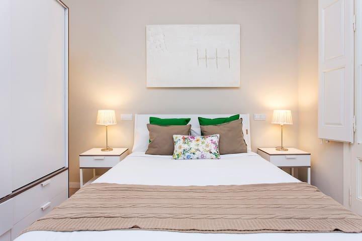 Trendy 3 Bed Flat in Central Area - Barcelona - Huoneisto
