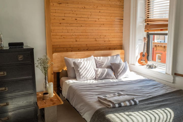 SUNLIT 'NATURAL WOODEN APARTMENT 〆WILLIAMSBURG