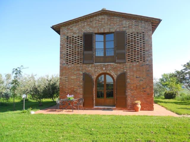 Cottage con vista mozzafiato - Asciano - Byt