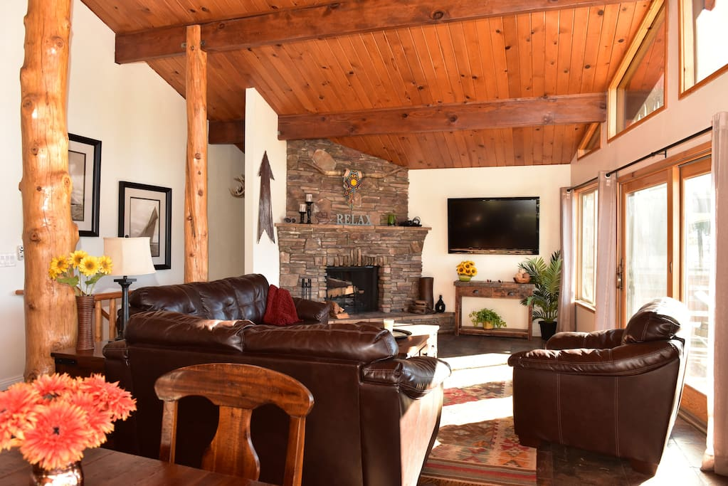 Light up the fireplace, play a game..watch a movie or just enjoy the amazing views 24 hours a day.