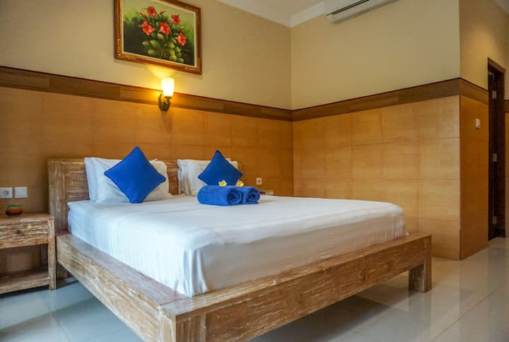 Three Brothers Guest House with air conditioner