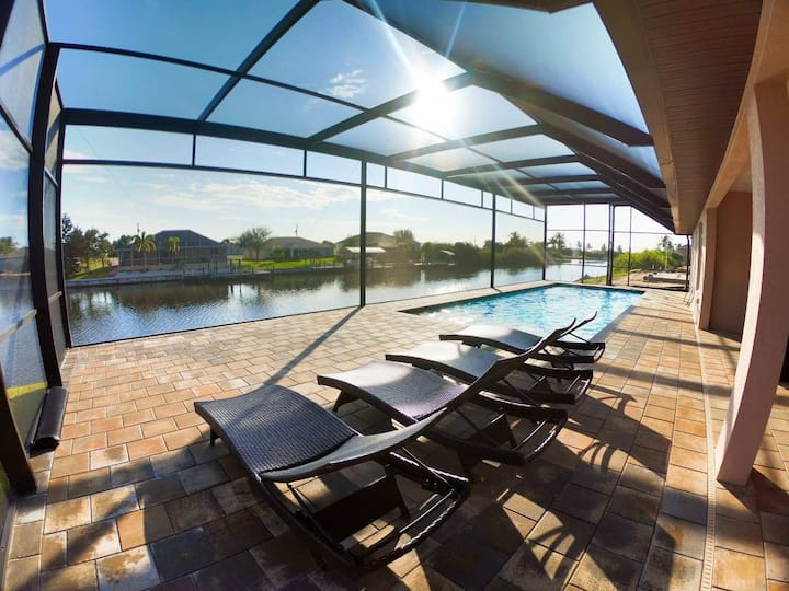 Luxury Villa Venice with water view in cape Coral