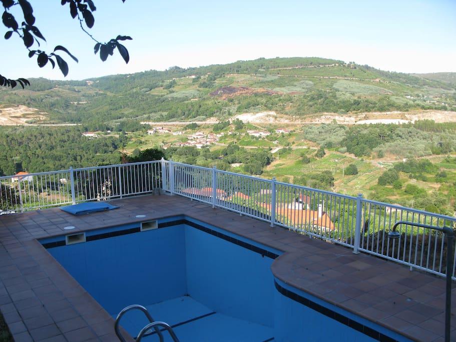Casa con piscina y magn ficas vistas chalets en alquiler - Apartamentos con piscina en galicia ...