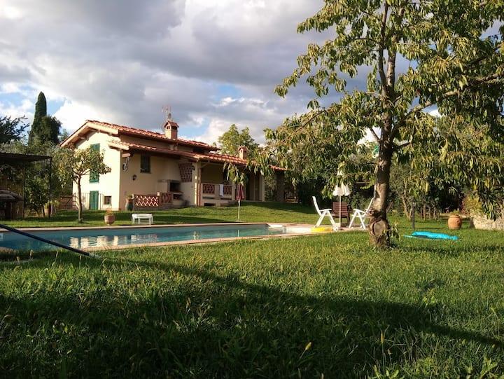 Villa in Toscana - Reggello, con Piscina e WiFi.