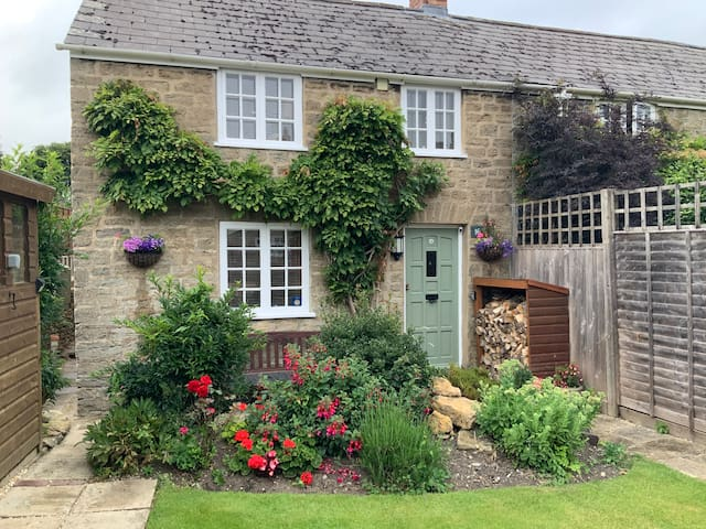 Character Cottage,  En-suite room .Parking + EVCP